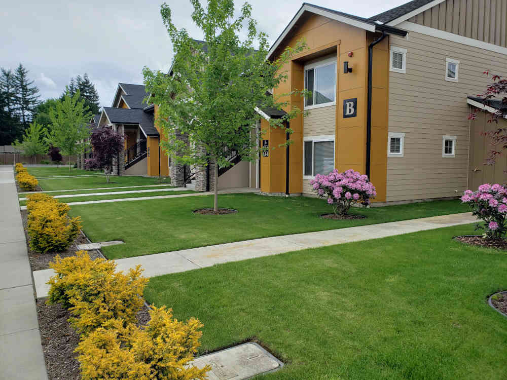 Spring Exterior Picture South Sonrise Apartments Marysville WA